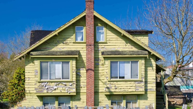 8 Signs it's Time to Paint Your House