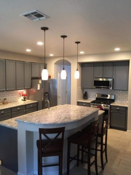 7 Reasons to Hire a Kitchen Cabinet Painter